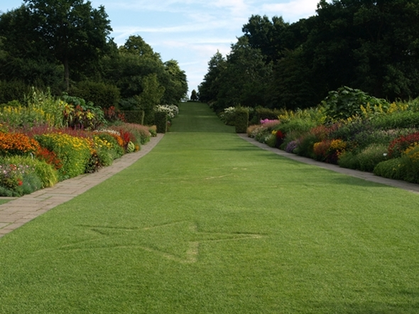 Wisley Mixed Border (1).JPG